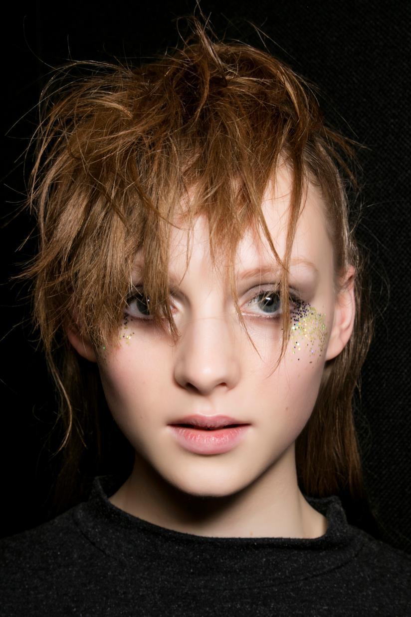 Frangia capelli corti ragazza