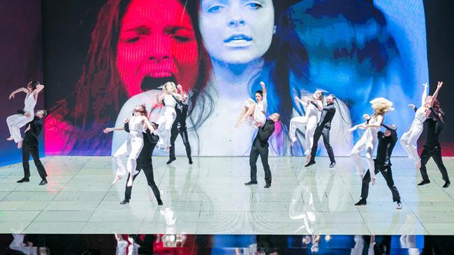 Dance Dance Dance 2: esibizione contro la violenza
