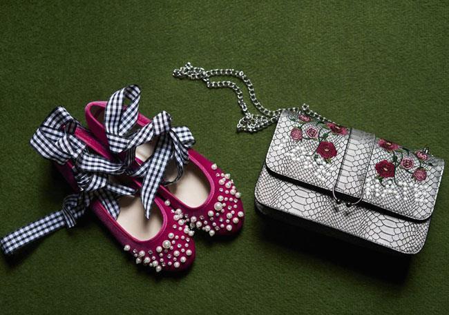 Ballerine con decorazione di perle e borsetta con fiori ricamati Primark