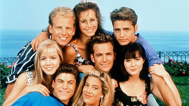 I protagonisti di Beverly Hills 90210 in una foto promozionale