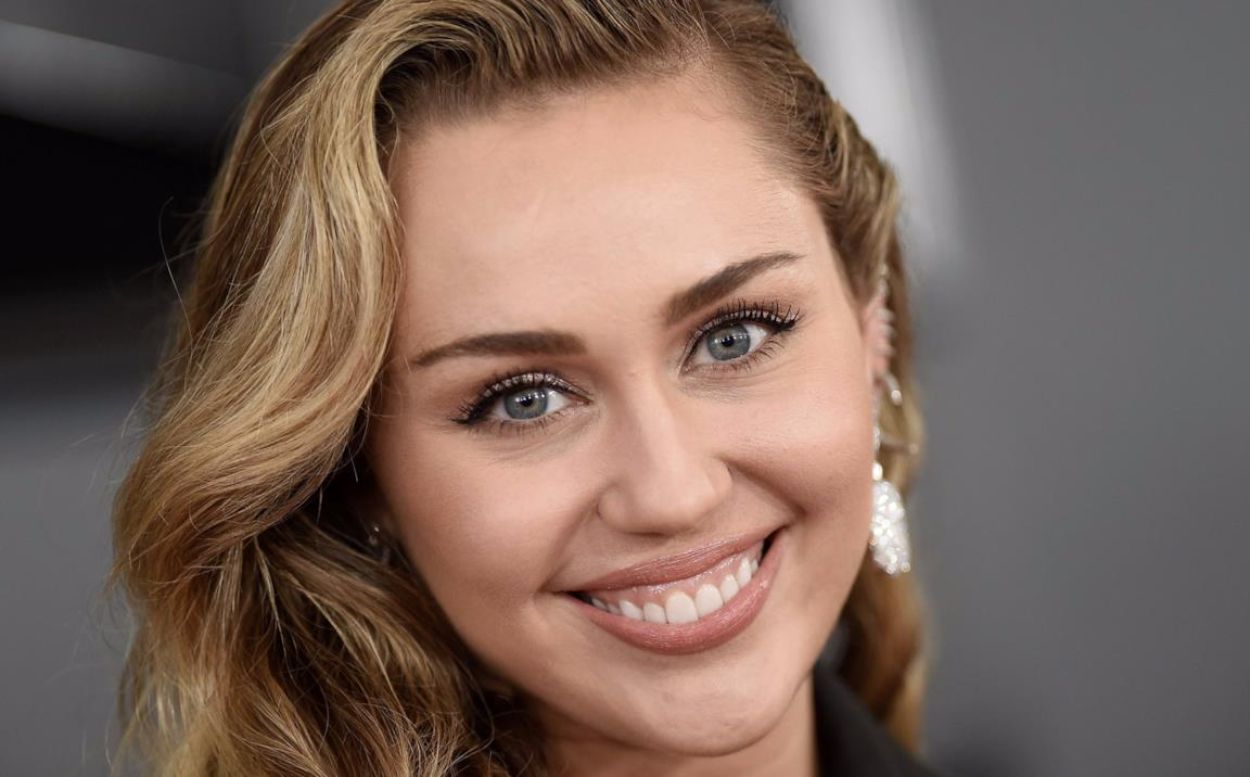 Miley Cyrus in primo piano