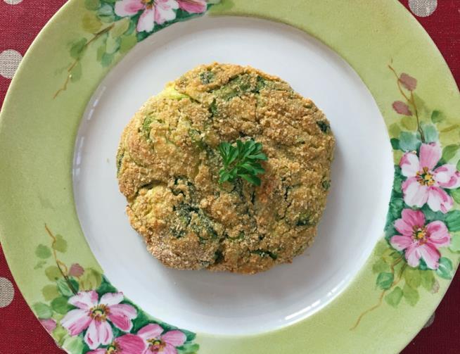 cotoletta di zucchine in piatto