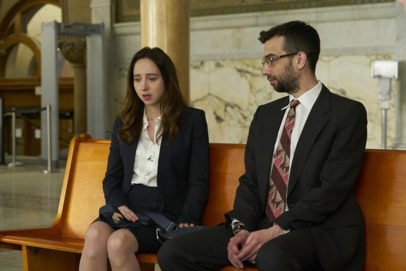 Zoe Kazan e Jay Baruchel in una scena di The Kindness of Strangers