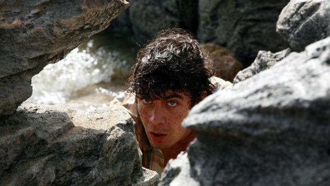 Riccardo Scamarcio in una scena del film Verso l'Eden