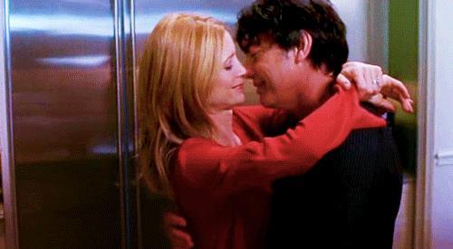 Kirsten e Sandy Cohen in una scena di The O.C.