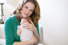 Sarah Drew (April Kepner) parla della sua gravidanza difficile