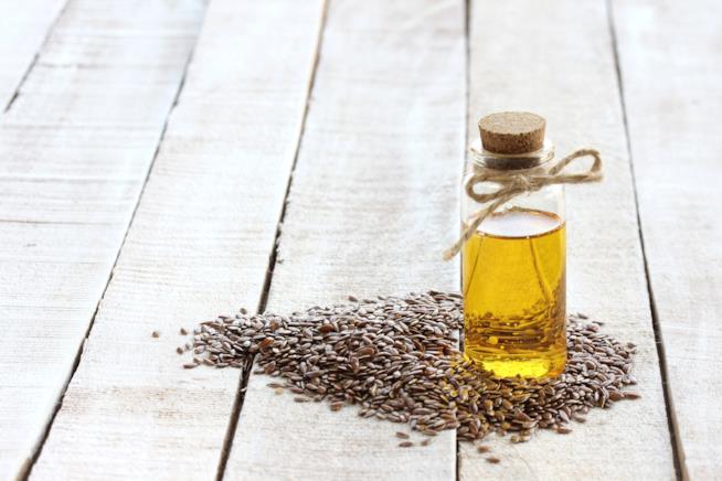 Boccetta con olio di lino