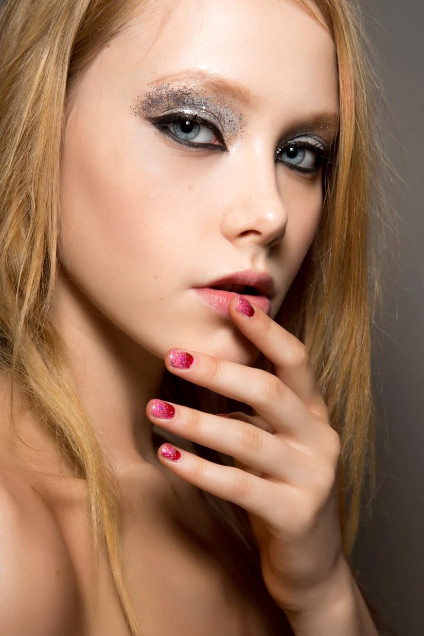 Nail art french rosa e rosso