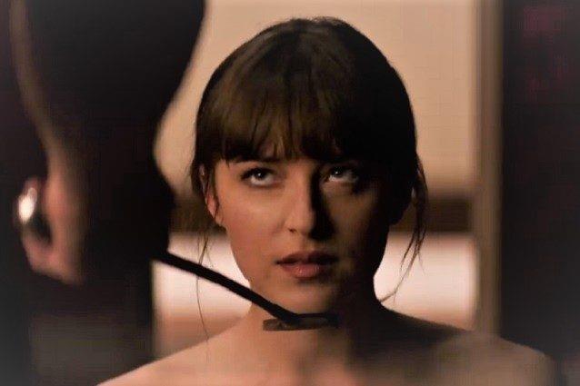 Anastasia protagonista della trilogia di 50 sfumature vive una relazione BDSM