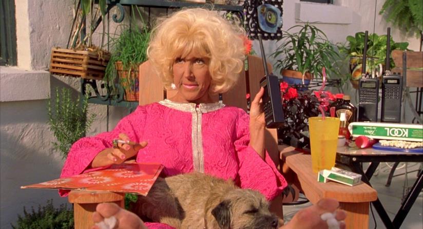 Magda, la coinquilina in Tutti pazzi per Mary