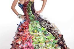Ogni anno vengono buttati o inceneriti 8,4 miliardi di tonnellate di vestiti