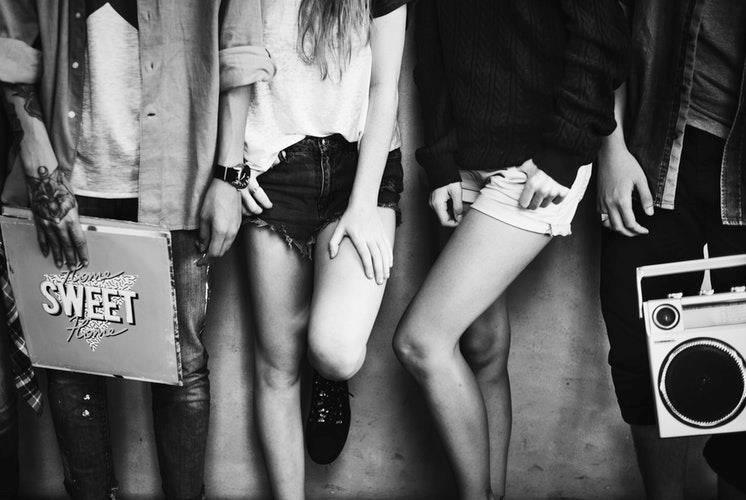 Gruppo di teenager