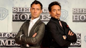 Robert Downey Jr e Jude Law posano per una foto insieme