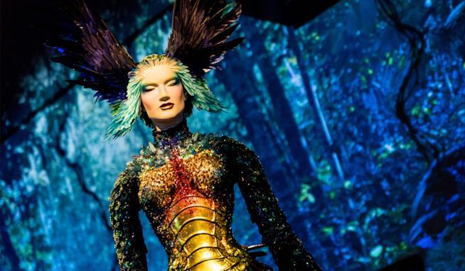 Gli abiti più iconici dello stilista visionario Thierry Mugler