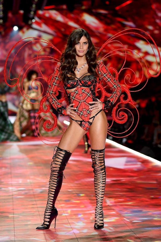 Sara Sampaio al Victoria's Secret Fashion Show