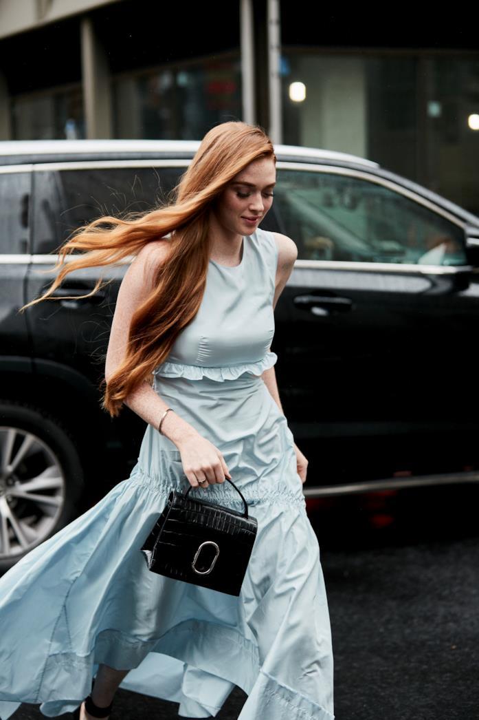 Outfit casual per la sera long dress azzurro polvere