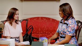 Alexis Bledel, Rory Gilmore, a colloquio con Michelle Obama
