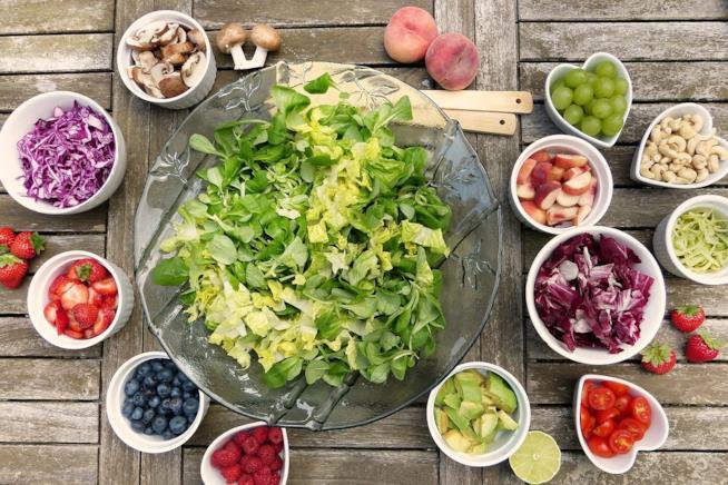 Insalata, frutta e verdura varia