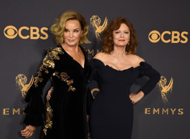 Susan Sarandon e Jessica Lange sul red carpet Emmy