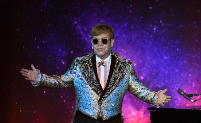 Elton John con la famiglia ospite d'eccezione agli Uffizi