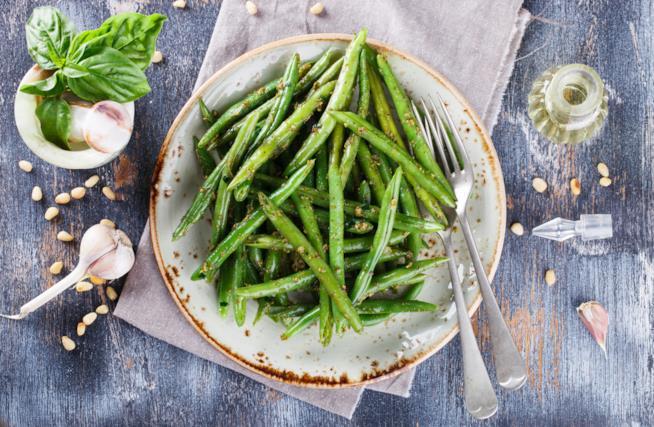 Piatto con ortaggi verdi