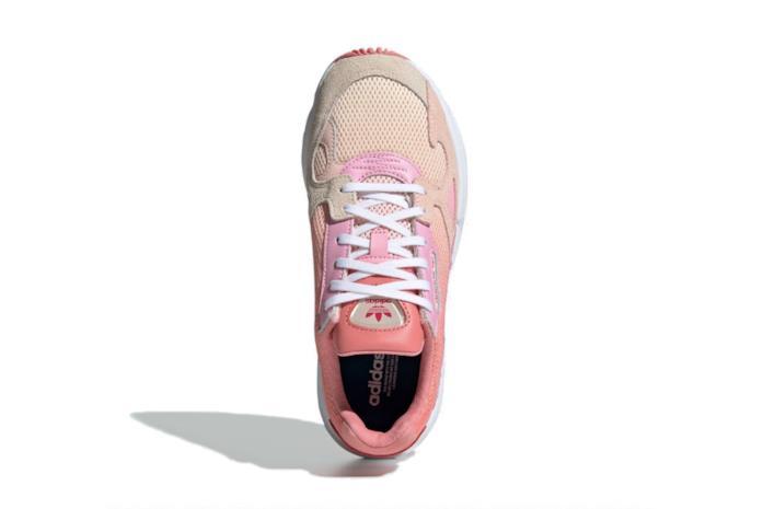 Adidas Falcon corallo e rosa