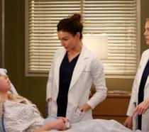 Meredith e Amelia visitano Katie Bryce, tornata al Grey Sloan Memorial Hospital