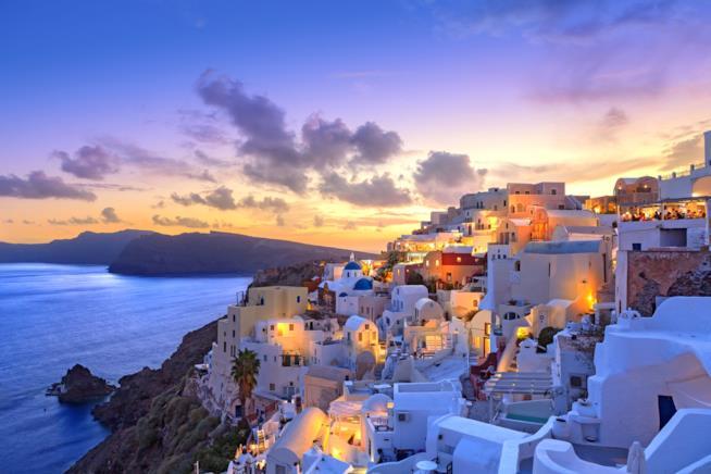 Isola di Santorini al tramonto