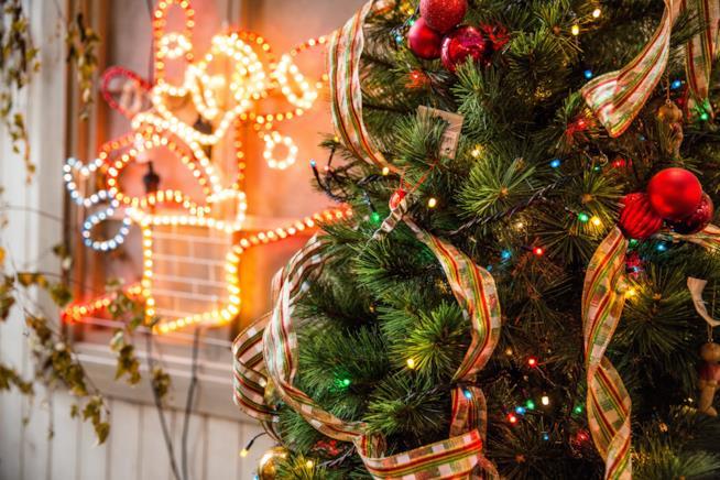 Alberi Di Natale In Legno Addobbati : Idee fai da te per creare un albero di natale originale