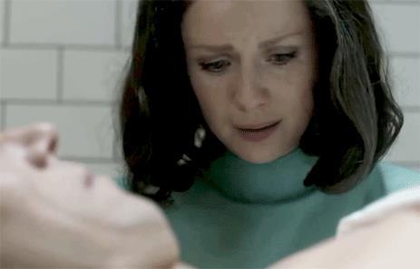 Claire piange Frank