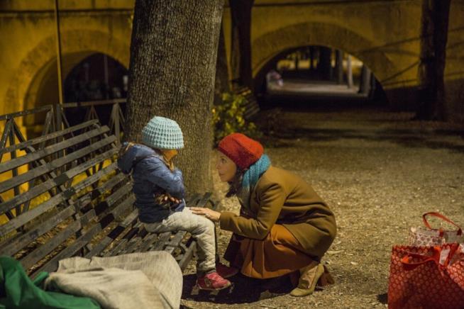 Michela Andreozzi in una scena del film Nove lune e mezza