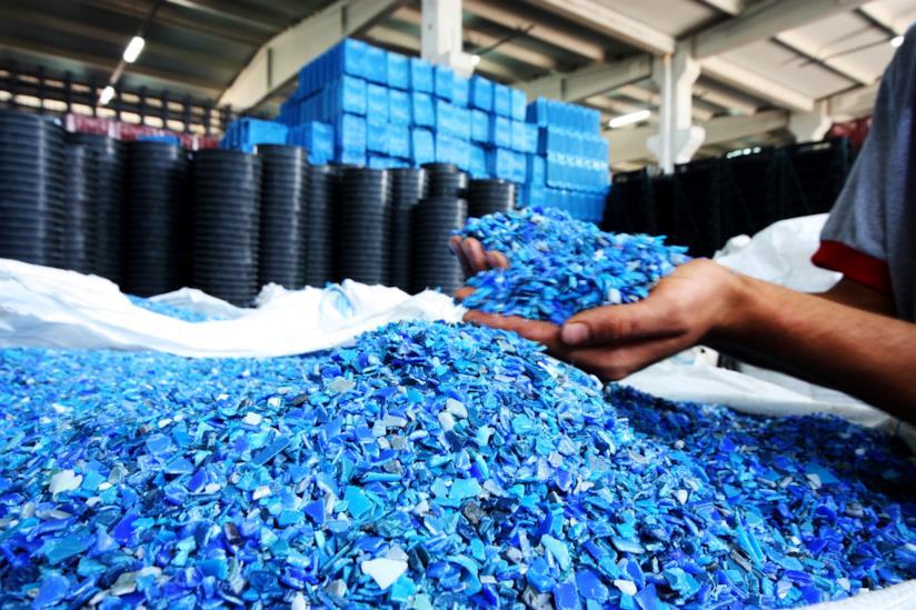 Plastica in una struttura di riciclaggio