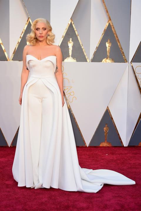 Lady Gaga sul red carpet degli Oscar