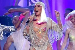Cher durante un'esibizione