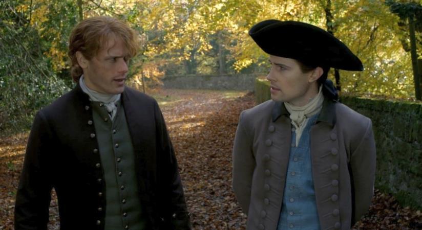 Sam Heughan e David Berry nell'episodio Delle cose perdute di Outlander