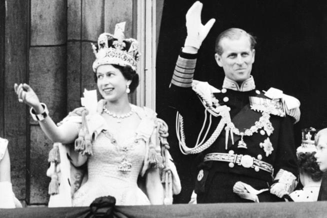 Un vecchio scatto di Elisabetta II e Filippo