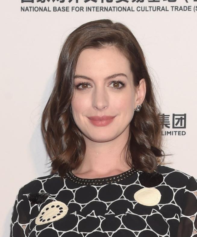 Bob destrutturato esempio tagli di capelli di Anne Hathaway