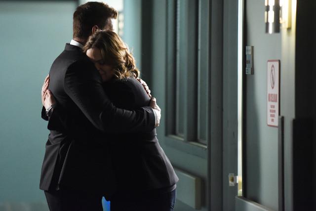 Un'immagine di Brennan e Booth nell'episodio 12x07 di Bones
