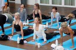 Abbigliamento per una lezione di yoga