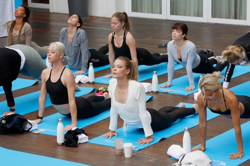 design di qualità 9d01c fd0b6 Abbigliamento yoga: i cinque capi da non farsi assolutamente ...