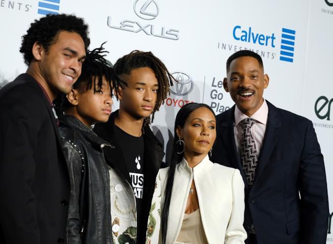 Jada Pinkett e Will Smith con l'intera famiglia