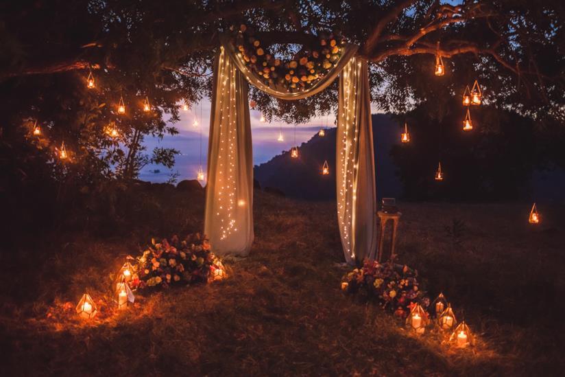 Addobbi con lanterne per sposa di giugno