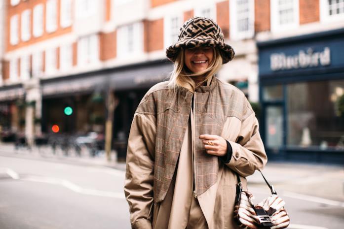 Street wear London Fashion Week cappello da pescatore Fendi