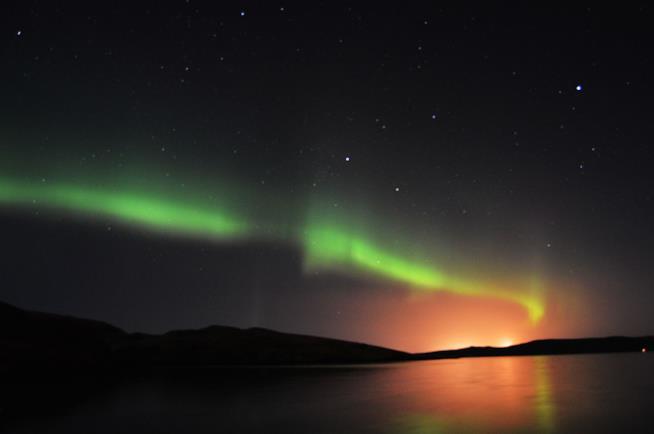 Aurora boreale in Scozia nelle isole Shetland