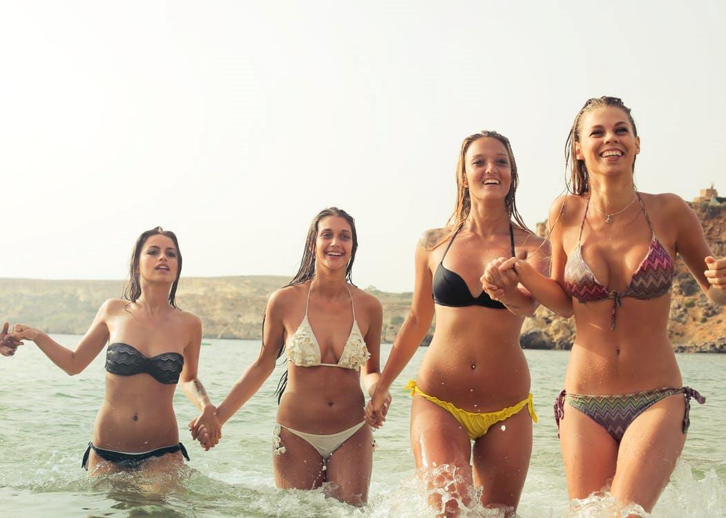 1829874810a3 Come scegliere il bikini giusto per la propria figura? Ci sono costumi che  stanno bene a chi ha il fisico filiforme ed altri che invece stanno meglio  a chi ...