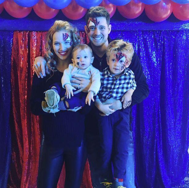 Michael Bublé con sua moglie e i loro figli