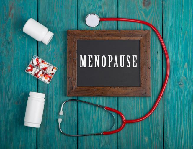 Lavagna con la scritta menopausa