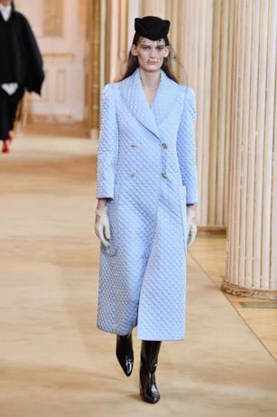 Il cappotto di Nina Ricci per l'autunno inverno 2018-19