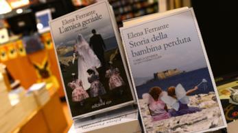 le copertine di due libri di Elena Ferrante