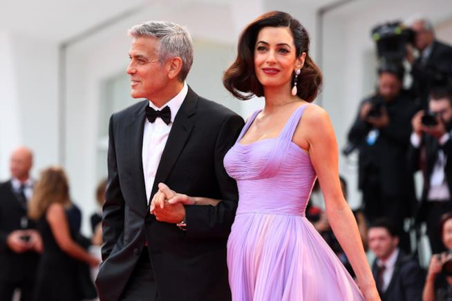 George Clooney e Amal sul red carpet